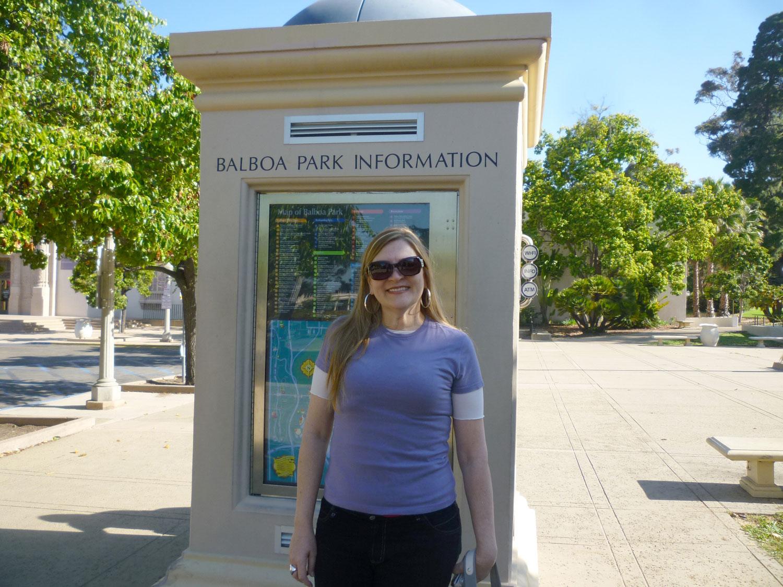 Balboa Park:. Uma das gemas escondidas de Balboa Park é o San Diego Modelo Museu Ferroviário , localizado no piso inferior da Casa de Balboa. Cerca de 320 voluntários de quatro clubes de maquete construiram e operaram os layouts de trem para o público durante os últimos 30 anos. O museu abriga mais de 27.000 metros quadrados de modelos em escala, trens de brinquedo, e expõe a história da ferrovia. O museu da estrada de ferro , modelo em Balboa Park é um dos melhores do país.