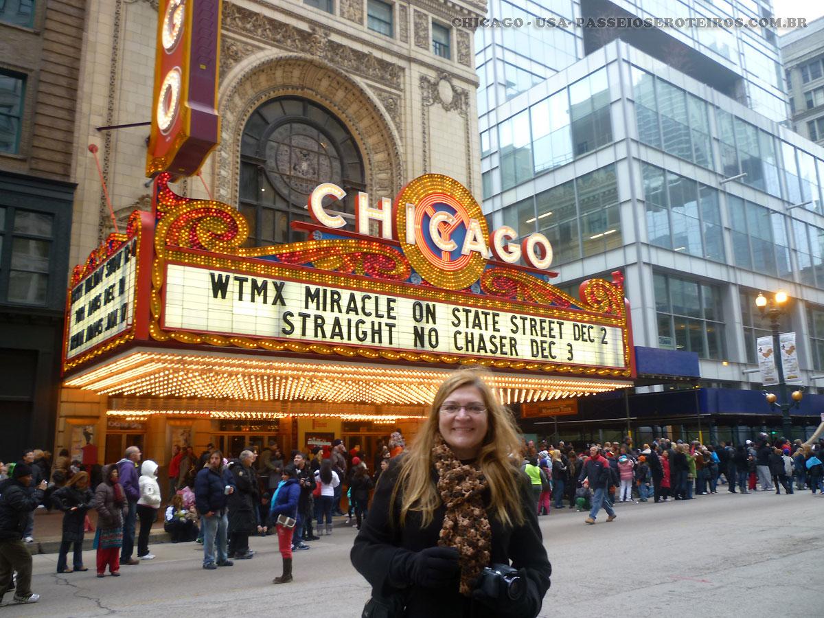 O Teatro Chicago, originalmente conhecido como o Balaban e Chicago Theatre Katz, é um marco do teatro localizado em North State Street no loop área de Chicago , Construído em 1921, o Theatre de Chicago apresenta peças de teatro , shows de mágica , comédia , discursos , música popular e concertos . É propriedade do Madison Square Garden, Inc.